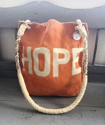 Canvas Net. Orange. Tekst: Hope